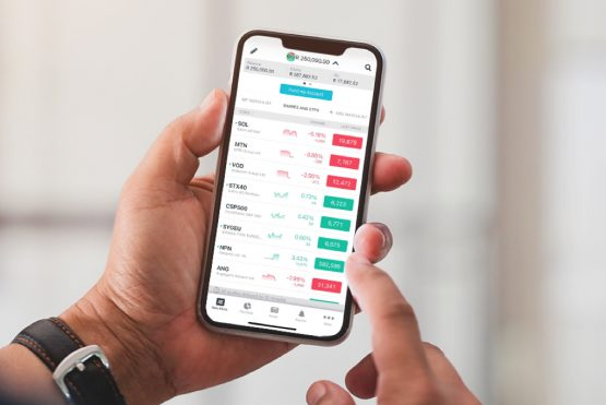 ThinkMarkets offers two platforms for more experienced traders, and a mobile app for those who want the convenience of trading on the go. Image: Shutterstock