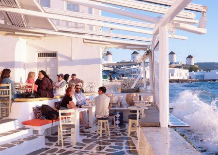 Greece set to open doors to tourists