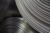 Aluminum powers toward $3 000