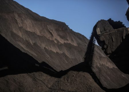 Iron Ore's rout keeps rolling as China imposes more steel curbs