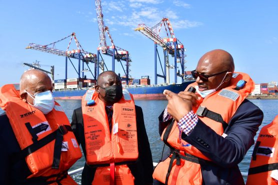 Public Enterprises Minister Pravin Gordhan, left, seen here with President Cyril Ramaphosa and a Transnet official during an oversight visit of the Port of Durban in April. Image: Elmond Jiyane/ GCIS
