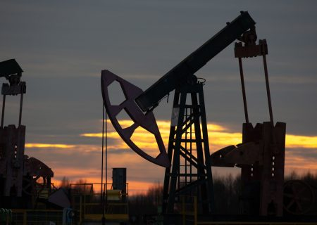 Oil sell off on US inventory boost